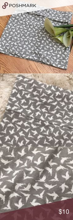 ☀️3/$15 bird mini skirt Cute! Fold over yoga band top. Stretchy Rue21 Skirts Mini