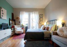 Studio apartment in Manhattan. .