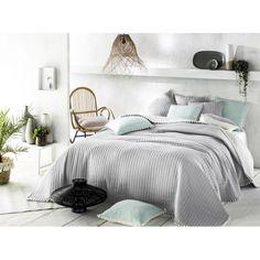 Prehoz na posteľ v modernom a trendy štýle pre Vašu spálňu. Hotel Bed, Bed Sets, Bedding Sets, Trendy, Luxury, Room, Furniture, Home Decor, Beautiful