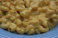 Vegan mac and cheese, vegan dad briana Vegan Mac N Cheese, Creamy Mac And Cheese, Creamy Pasta, Skinny Recipes, Vegan Recipes, Vegan Food, Vegan Menu, Yummy Recipes, Free Recipes