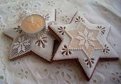 Tea Cookies, Cookies Et Biscuits, Holiday Cookies, Holiday Treats, Sugar Cookies, Christmas Gingerbread House, Gingerbread Cookies, Pavlova, Christmas Colors