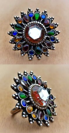 India (Rajasthan) or Pakistan | Vintage ring, decorated with glass | ca. 1930s | 165$