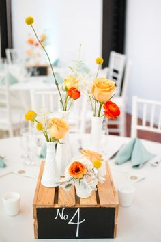 Como combinar flores amarelas para casamento: Para um arranjo vivo, cheio de personalidade e extroversão, combine flores amarelas com cores de mais contraste.