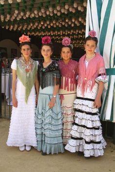 chiquiflamencas Flamenco Costume, Flamenco Dancers, Dance Costumes, Costumes Around The World, Spanish Woman, Tribal Dress, Wedding Costumes, Folk Costume, Festival Wear