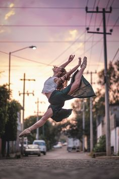 Gratitude—that's what New York-based photographer Omar Robles took away with him after his latest experience photographing ballet dancers in urban backdrops. Following his recent trip to Cuba, the talented photographer took his project to Mexico City with the support of Fujifilm, where he once again connected with gifted local dancers to create a striking series of images. The grace, elegance, and athleticism of the dancers' craft is on full display in Robles' photography. What b...