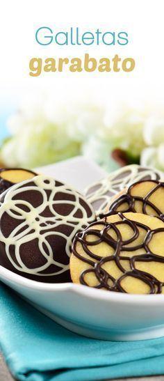 Esta versión de galletas garabatos es deliciosa y fácil de preparar. Deliciosa galleta sándwich de mantequilla rellena de una cremosa ganache de chocolate amargo y rallada con más chocolate, irresistiblemente deliciosa. Paint Cookies, Fun Cookies, Cupcake Cookies, Sugar Cookies, Cupcakes, Easy Desserts, Delicious Desserts, Yummy Food, Royal Icing Cookies Recipe