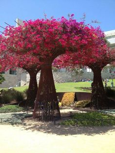 Herb garden design - J Paul Getty Museum Brentwood Los Angeles, CA Sky Garden, Dream Garden, Garden Art, Unique Gardens, Beautiful Gardens, Landscape Architecture, Landscape Design, Pergola, Miracle Garden