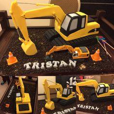 Beautiful excavator birthday cake