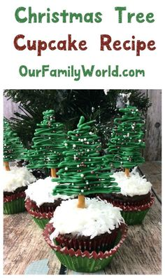 Looking for the perfect Christmas dessert? Check out this easy tree-shaped cupcake recipe! It's one of my favorite Christmas food this year!
