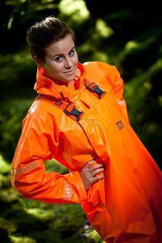 Lady wearing rain overalls and rain jacket Pvc Trousers, Rain Cape, Pvc Raincoat, Rain Gear, Girls In Love, Girls Wear, Orange, Yellow, Work Wear