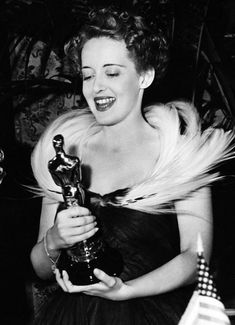 "Academy Awards® ~ Bette Davis ~ – winner of the Best Actress Oscar® for her performance as a Southern belle in ""Jezebel"" (Won 2 Oscars. Another 23 wins & 19 nominations) Classic Actresses, Classic Films, Hollywood Actresses, Katharine Hepburn, Audrey Hepburn, Marlene Dietrich, Vintage Hollywood, Classic Hollywood, Hollywood Glamour"