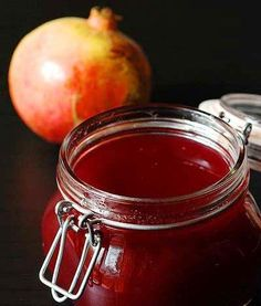 the pomegranate jelly - Ricette - Pasta Pomegranate Jelly, Different Fruits, Fruit Jam, Beautiful Fruits, Lactose Free, Gluten Free, How To Make Cheese, Fall Recipes, Food Inspiration