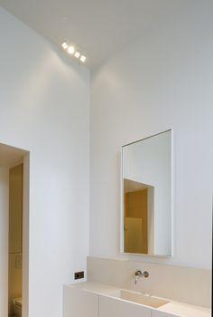 Bathroom by Hans Verstuyft Architecten