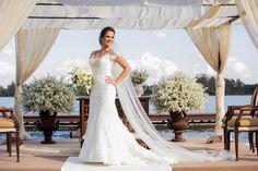 Vestido com véu longo - Casamento Karina & Wilson