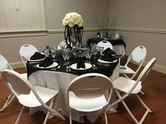 Stella Wingate was the winner of our Holiday Gala with her beautifully decorated black and white table.