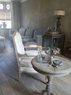 News and Trends from Best Interior Designers Arround the World Style At Home, Interior Design Companies, Interior Design Studio, Wabi Sabi, Living Room Decor Colors, Home Design Decor, Home Decor, Best Interior, Decoration