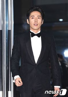 But also exhausted and speechless so I'll go straight to the news! Our Jang Hyuk WON in the categories of Best Couple along with our dear Jang Nara and in the Top Excellen… Korean Men, Korean Actors, Jang Nara, Fated To Love You, The Age Of Innocence, Jang Hyuk, Ideal Man, Korean Entertainment, Best Couple