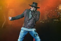 Injured Axl Rose Will Perform In A Cast In Vegas At Coachella