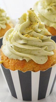 White Chocolate Cupcakes with Pistachio Buttercream