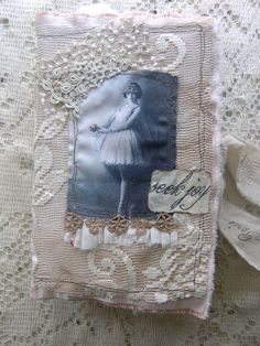 Journal: use fabric and lace! Transfer paper a photo to the fabric.