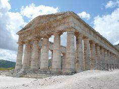 #Sizilien: Urlaub auf der Insel der griechischen Tempel Für Sizilien, die wunderbarste Insel des Mittelmeers findet man eine Vielzahl an Angebote für Urlaub-Aufenthalte, Kulturreisen und kulinarische Reisen. Wir schlagen Ihnen etwas Neues vor !  Machen Sie doch einmal Urlaub in einem Ferienhaus oder Ferienwohnung, denn ein Ferienhaus auf Sizilien ist der ideale Ausgangspunkt um Sizilien zu erkunden.  Wir bieten Ihnen ein besonderes Erlebnis, in dem wir Sie auf die Entdeckung von Sizilien in…