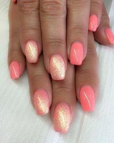 Coral nails. http://hubz.info/58/cute-nail-art-design