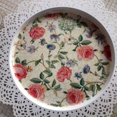 Разнос с мелкой розой