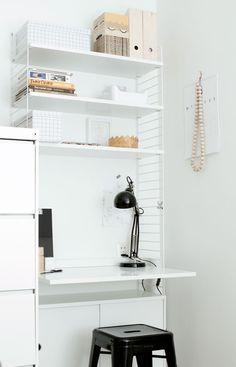 workspace with white string-shelf unit, black metal and wood | Musta tuntuu: Työpiste