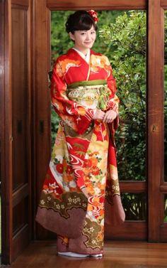 Japan Woman, Japanese Outfits, Yukata, Japanese Kimono, Sari, Costumes, Classic, Women, Fashion