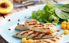 """Grilovaná """"svíčková"""" z kuřecích prsou Grilling, Meat, Chicken, Ethnic Recipes, Food, Crickets, Essen, Meals, Yemek"""