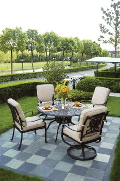 Time to gather in the garden with this Hanamint patio dining set. Beautiful Home Designs, Beautiful Homes, Contemporary Dining Sets, Patio Dining, Outdoor Areas, Outdoor Furniture, Outdoor Decor, Outdoor Living, Living Spaces
