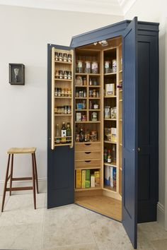 The Holkham corner pantry provides storage for all the family's dried food. - The Holkham corner pantry provides storage for all the family's dried food. A combination of draw - Kitchen Pantry Design, New Kitchen Cabinets, Kitchen Decor, Kitchen Corner, Kitchen Ideas, Kitchen Craft, Corner Pantry Cabinet, Kitchen Themes, Kitchen Pantry Cabinets