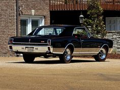 The Oldie But Goodie - 1967 Oldsmobile 442 Custom Muscle Cars, American Classic Cars, Oldsmobile Cutlass, Us Cars, Car Photos, My Ride, Cars And Motorcycles, Cool Cars, Autos