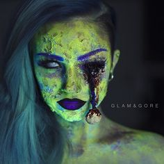 Hiya! The newest tutorial for this neon zombae is now up! Link in bio!  I just arrived in Colorado after a very long day of no sleep, so after catching up on that I will be enjoying some family time ️ haven't found a place to hold a meet up because of the holidays and the limited time frame that I'm here, but if anything changes I'll be sure to update across Instagram and Twitter!
