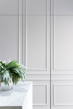Fantastic Tricks: Wainscoting Styles Panelling painted wainscoting entry ways.Beadboard Wainscoting Bedroom wainscoting design home office. Küchen Design, Door Design, Wall Design, House Design, Design Ideas, Hidden Kitchen, Top Interior Designers, Classic Interior, Kitchen Interior