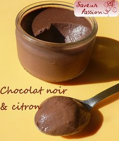 Exquise et onctueuse crème : chocolat au lait/vanille ou chocolat noir/citron