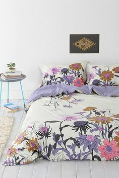 love the pretty colors in this duvet cover http://rstyle.me/n/jkwchr9te