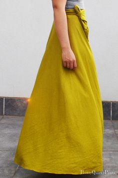 This half-circle maxi skirt is one dramatic (but not too difficult) #DIY.