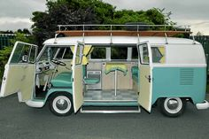 Discover 23 of the coolest Volkswagen Campers. From classic, to modern, to unique, Volkswagens will never go out of style. Volkswagen Bus, Volkswagen Transporter, Beetles Volkswagen, T3 Vw, Vw Cars, Kombi Clipper, Vans Vw, Vw Camper Vans, Vintage Travel Trailers