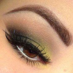 Smokey Eye @__natcat__