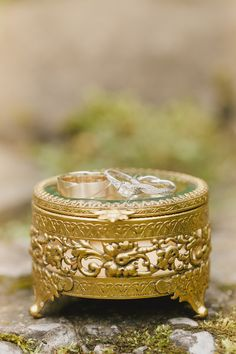 Love the intertwined wedding band!!  View the full wedding here: http://thedailywedding.com/2015/11/22/dreamy-forest-wedding-emily-michael/