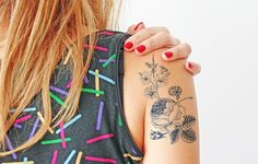 Size: 8,4 x 13,4 cm Quantity: 1 XL temporary tattoo  - Lasts anywhere from 2-5 days - Safe and non-toxic - We use FDA approved ink - Includes