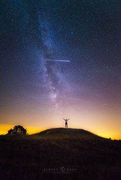 Accidentally captured the ISS while shooting a friend in front of the Perseiden meteor shower