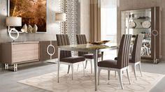 Questa sala da pranzo, composta da mobili di arredo in stile contemporaneo, è ispirata ai colori della foresta artica. #Handmade #MadeInItaly