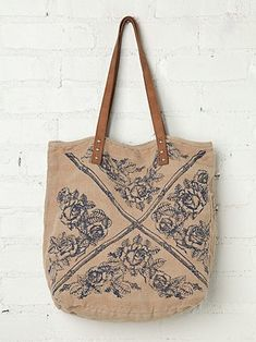Free People Faded Heartland Tote Bag for Ladies It Bag, Free People Clothing, Beautiful Bags, Fashion Bags, Fashion Clothes, Style Fashion, Nike Id, Leather Bag, Purses And Bags