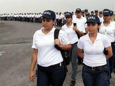 Polícia Nacional Bolivariana.  http://blog.chavez.org.ve/temas/noticias/presidente-saludo-aspirantes-policia-nacional-bolivariana/#.VT4uUSFViko