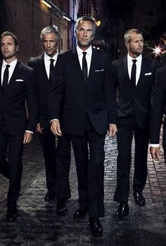 Cadre of Silver Foxes Sharp Dressed Man, Well Dressed Men, Lawyer Fashion, Silver Foxes, Hommes Sexy, Going Gray, Mature Men, Suit And Tie, Gorgeous Men