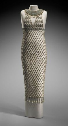 The bead-net dress is a very intricate garment that was made during ancient Egypt. It is thought that this dress was placed over a wraparound garment. Egyptian Fashion, Egyptian Art, Egyptian Women, Ancient Egyptian Clothing, Ancient Egypt Fashion, Egyptian Costume, Ancient Rome, Ancient History, Historical Costume