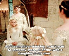 Snow and Emma get to go to a ball together...sweet. #OUAT