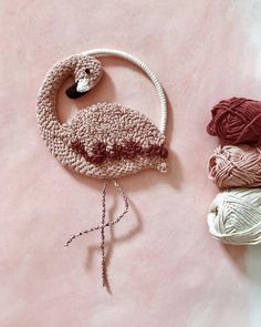 Shtawpppppp our fibre loving hearts can't even handle this flamingo gorgeousness by ⠀ Hmm a little inspo for some summer crafting perhaps? Hand Embroidery Designs, Embroidery Art, Punch Needle Patterns, Fabric Pictures, Punch Art, Rug Hooking, Weaving, Couture, Crafts